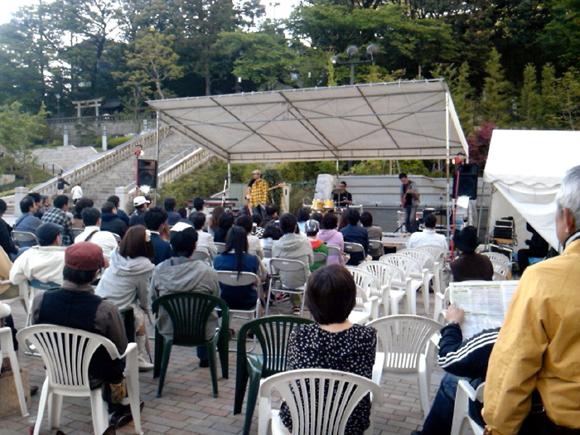 ミヤストリートギグ2012・二荒神社前ステージ.jpg